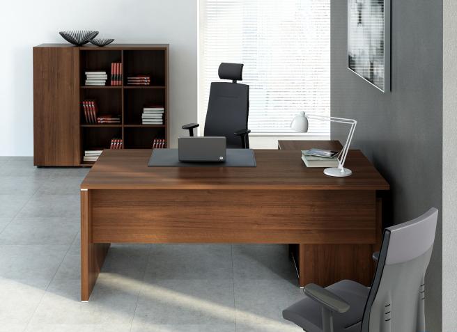 STOCK Büroeinrichtungen - Chefzimmer klassisch mit eleganten ...